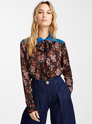 Retro flowers scarf-neck shirt