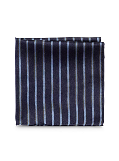 Accent-stripe pocket square