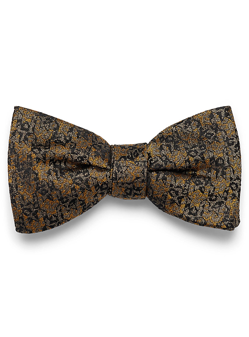 abstract-houndstooth-bow-tie