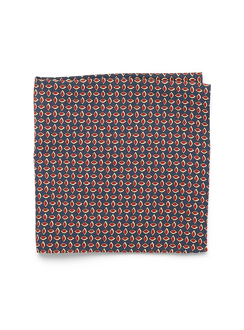 retro-petal-pocket-square