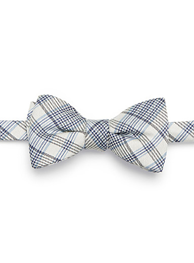 Modern check bow tie