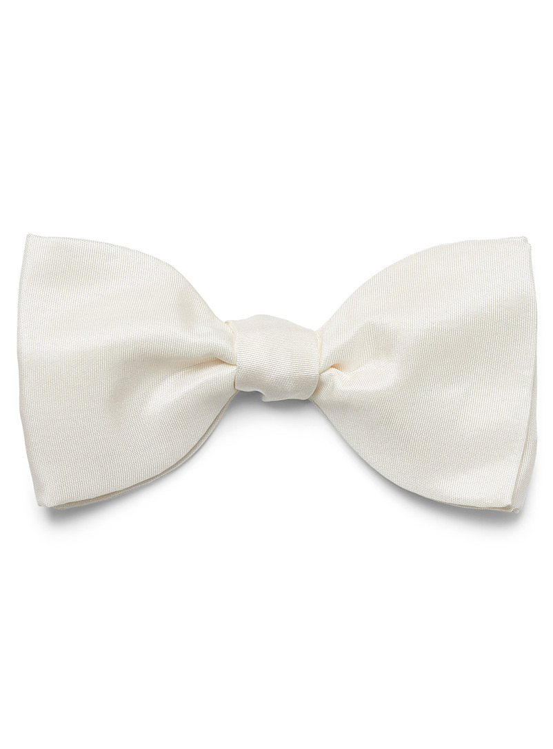 Blick White Silk bowtie for men