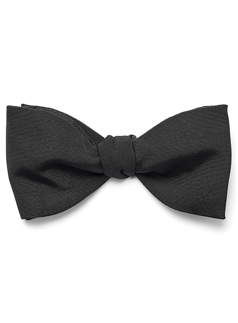 Blick Black Knotted bow tie for men