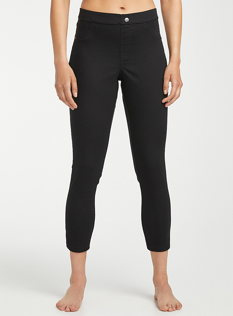 Hue Black Basic capri jegging for women