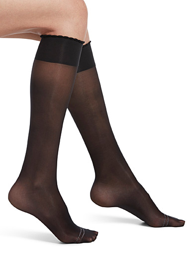 Scalloped compression socks