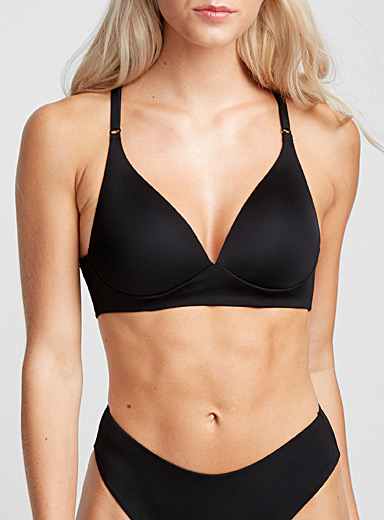 Crossed-back wireless bra