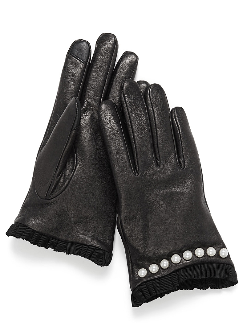 pearly-trim-leather-gloves