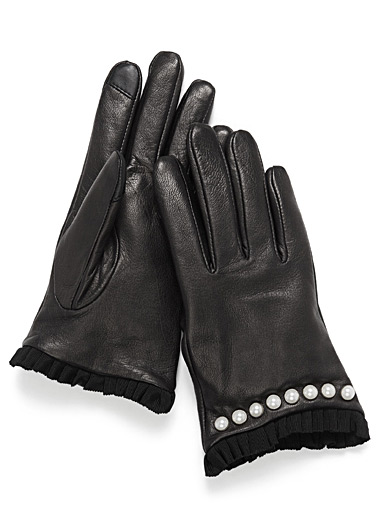 Pearly trim leather gloves