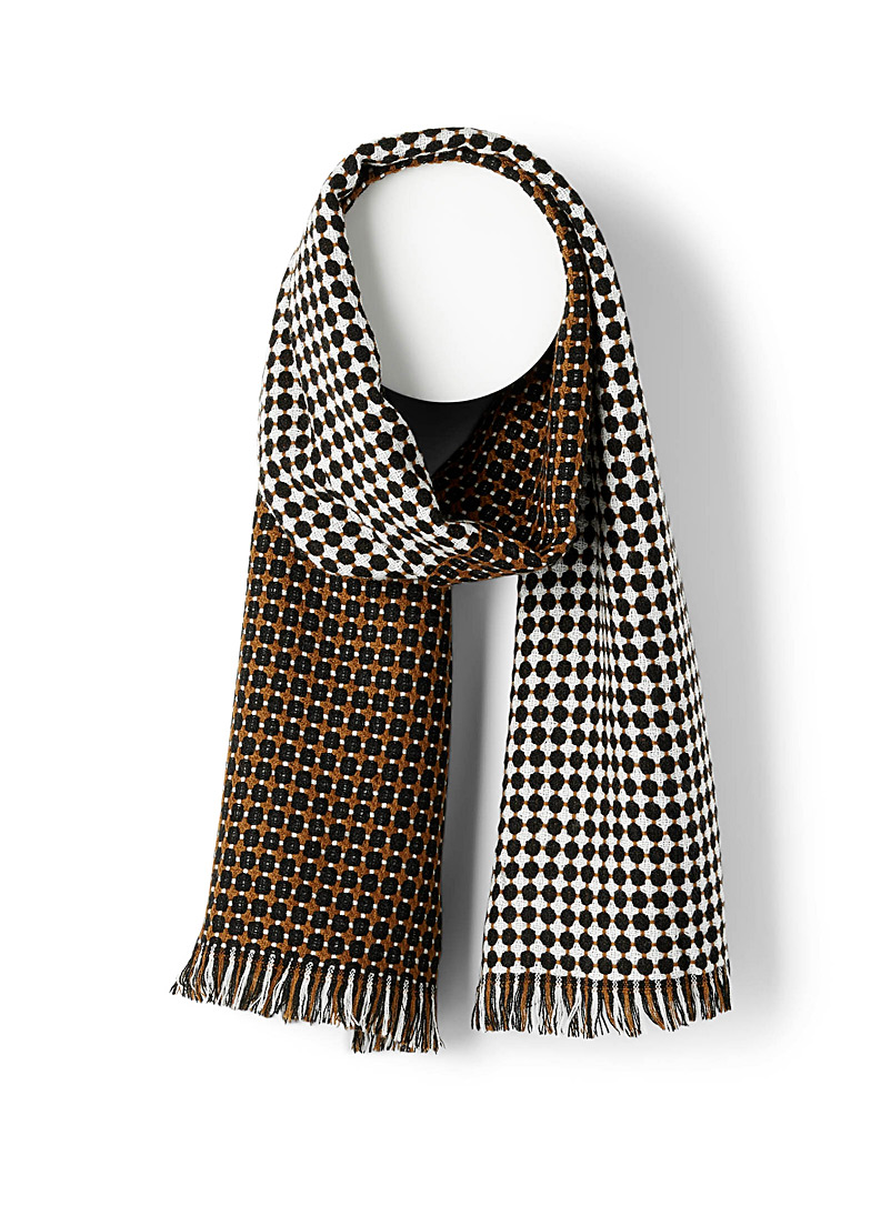 Cubic punctuation scarf