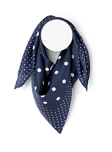 Dotted paradise scarf