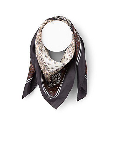 Echo Design Patterned Black Floral pattern scarf for women