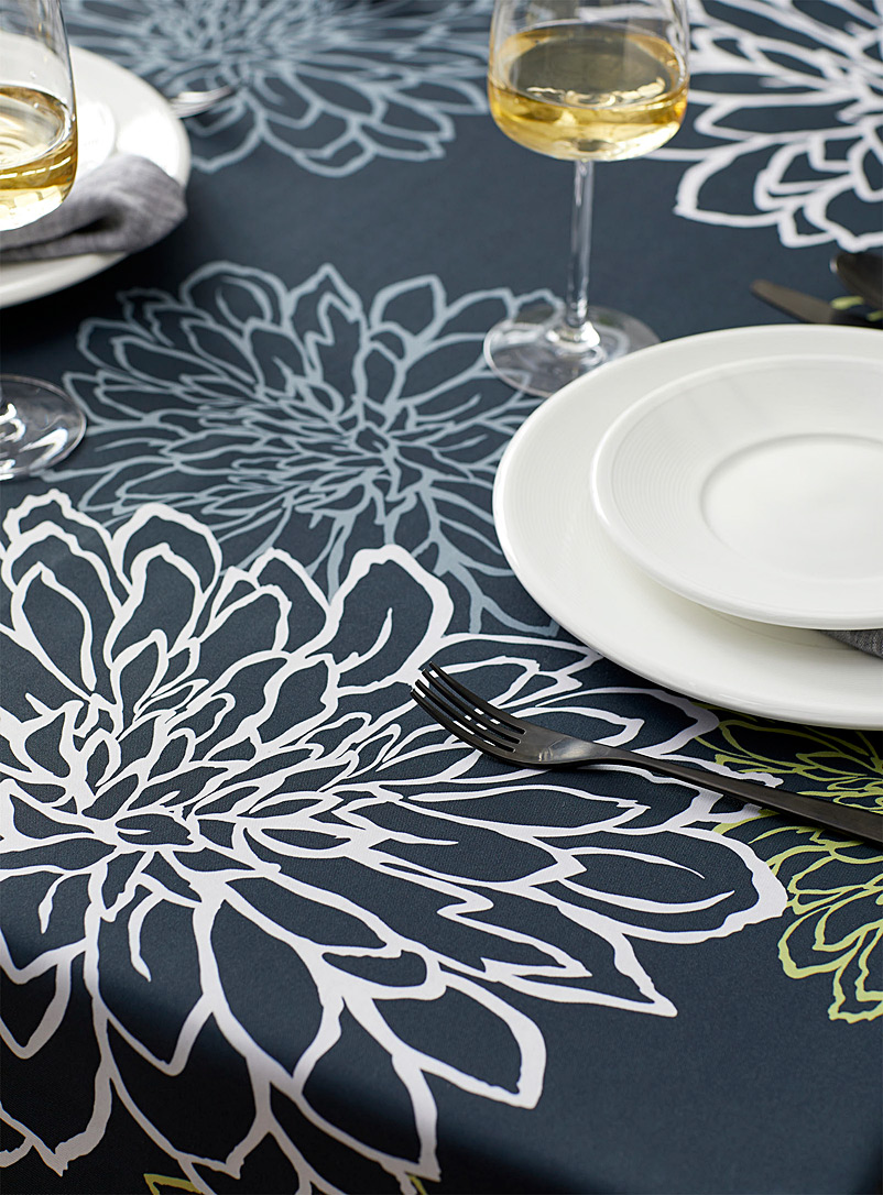 Simons Maison Assorted Traced flowers tablecloth
