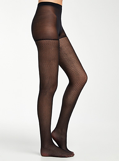 Fishnet-like pantyhose