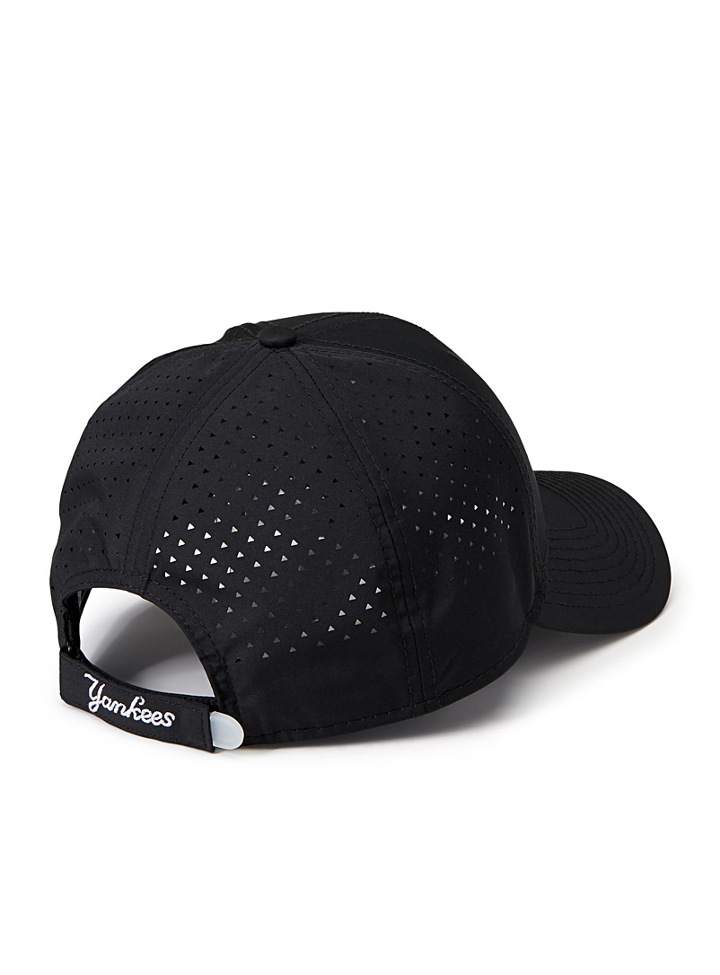 New Era Black New York Yankees micro perforated cap for men