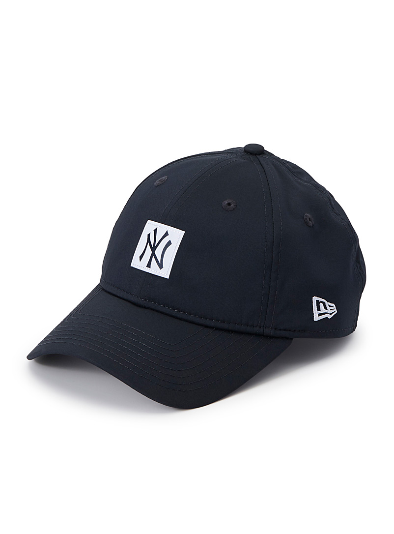 satiny-new-york-yankees-cap