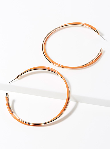 Two-tone twisted hoops