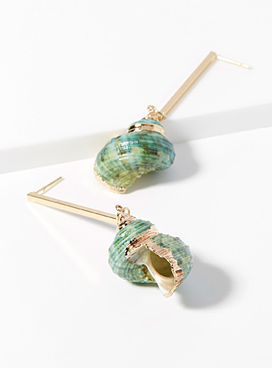 Rod and seashell earrings