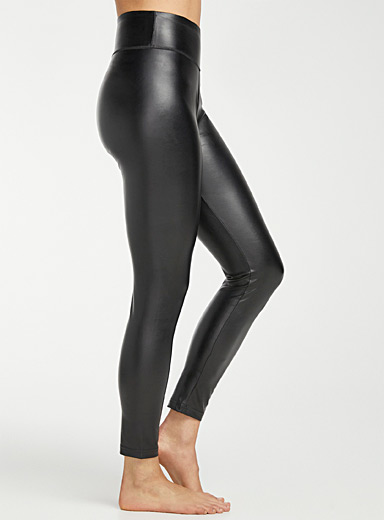 Smooth faux-leather legging