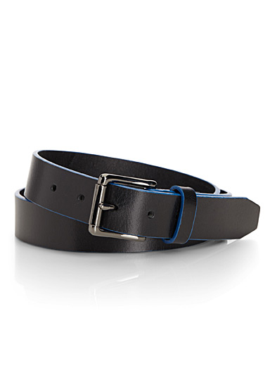 Coloured-trim belt