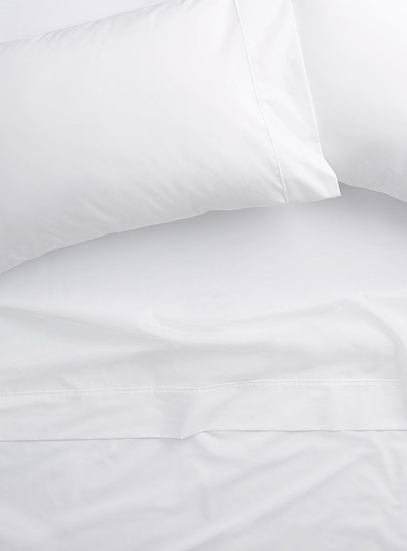 Colourful 200-thread-count percale plus sheet Fits mattresses up to 15 in.