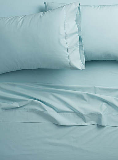 Simons Maison Baby Blue Colourful 200-thread-count percale plus sheet  Fits mattresses up to 15 in.