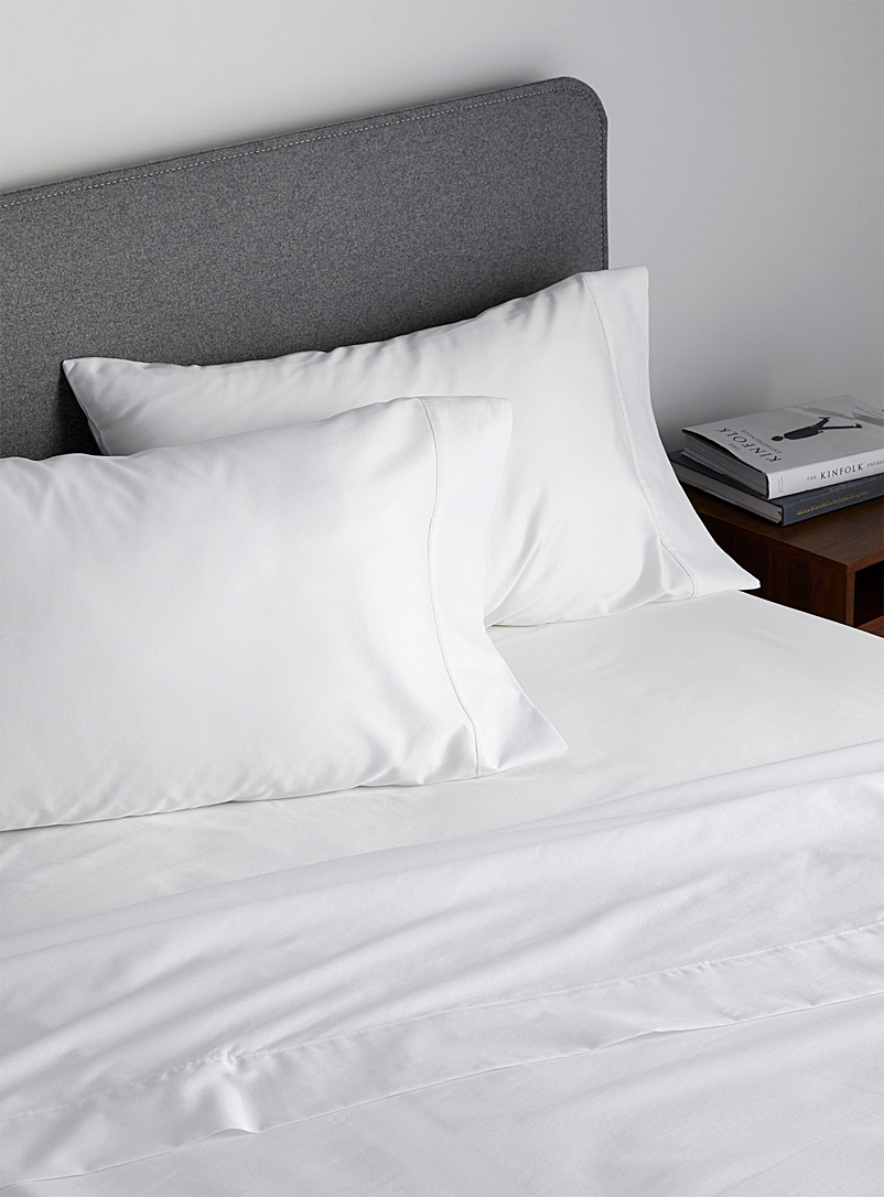 Simons Maison White Liquid cotton 400-thread-count sheet set  Fits mattresses up to 16 in.