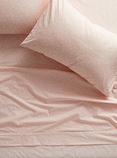 Wildflower percale plus 200-thread-count sheet Fits mattresses up to 15 in.