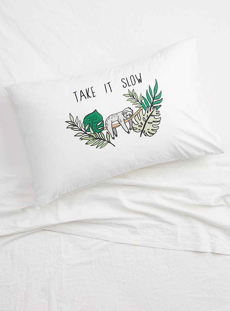 Dreamy sloth pillowcase