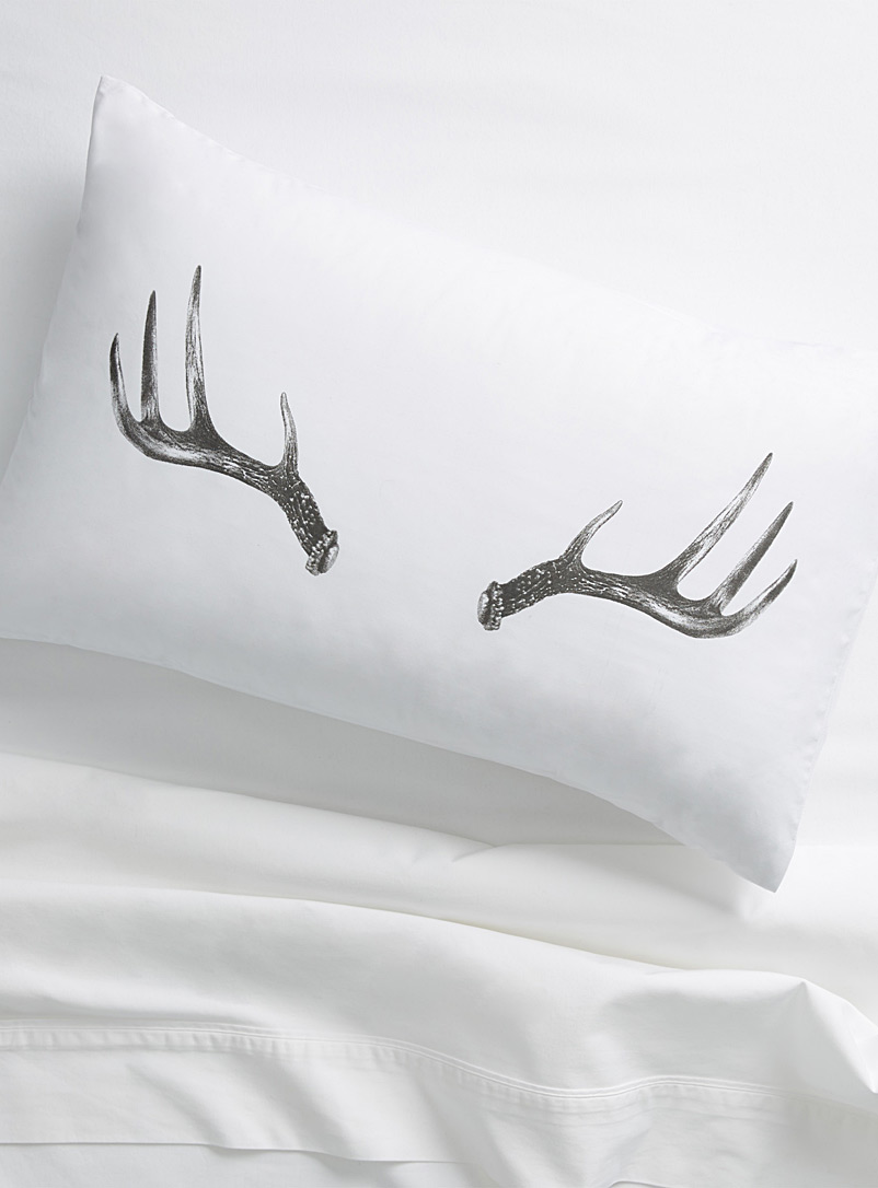 deer-antlers-pillowcase