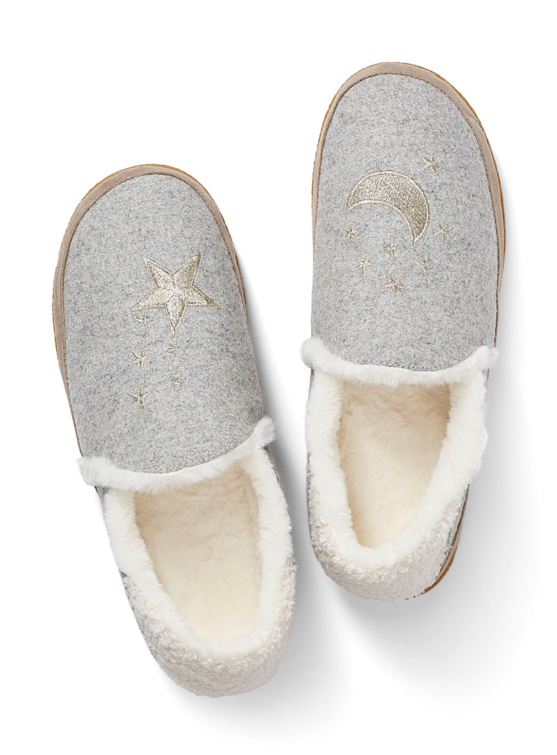 india-silent-night-slippers