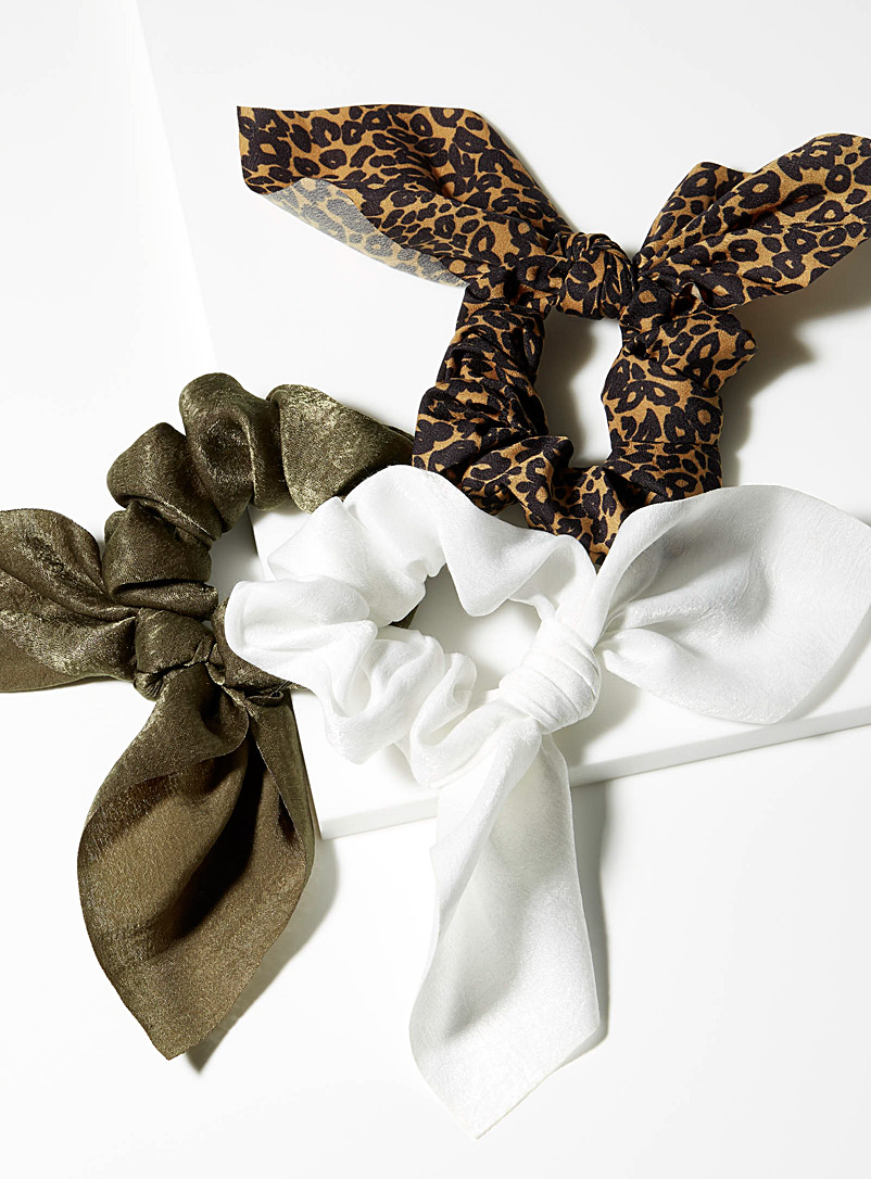 Satiny bow scrunchies  Set of 3 - Scrunchies - Patterned Brown