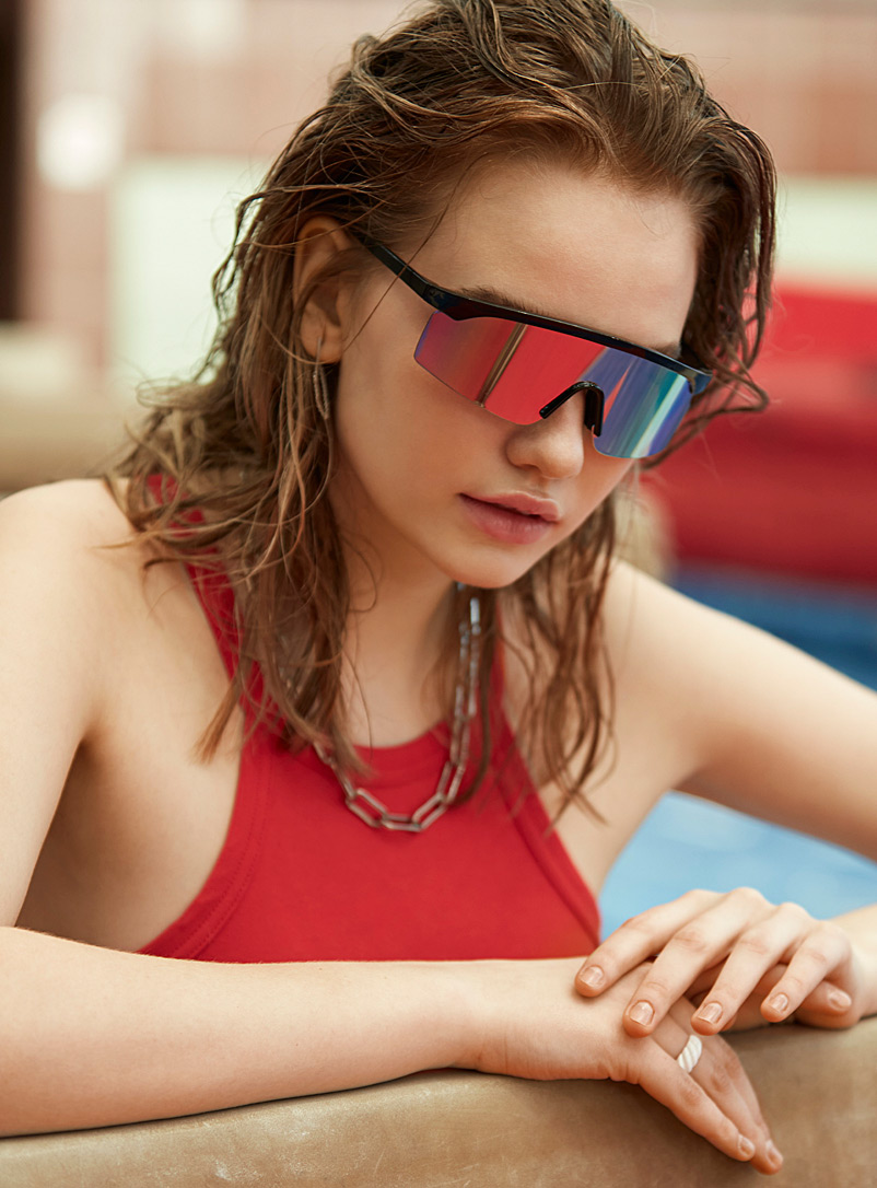 Simons Black Aspen visor sunglasses for women