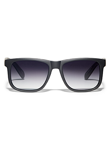 Matte polarized sunglasses