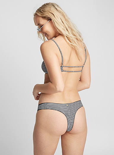 Thin stripe bottom
