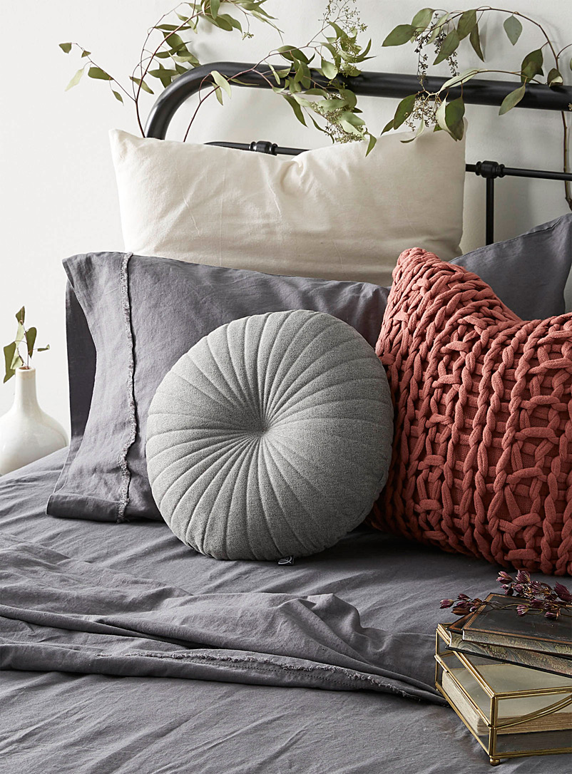 Fine herringbone cushion  35 cm in diameter - Cushions - Dark Grey