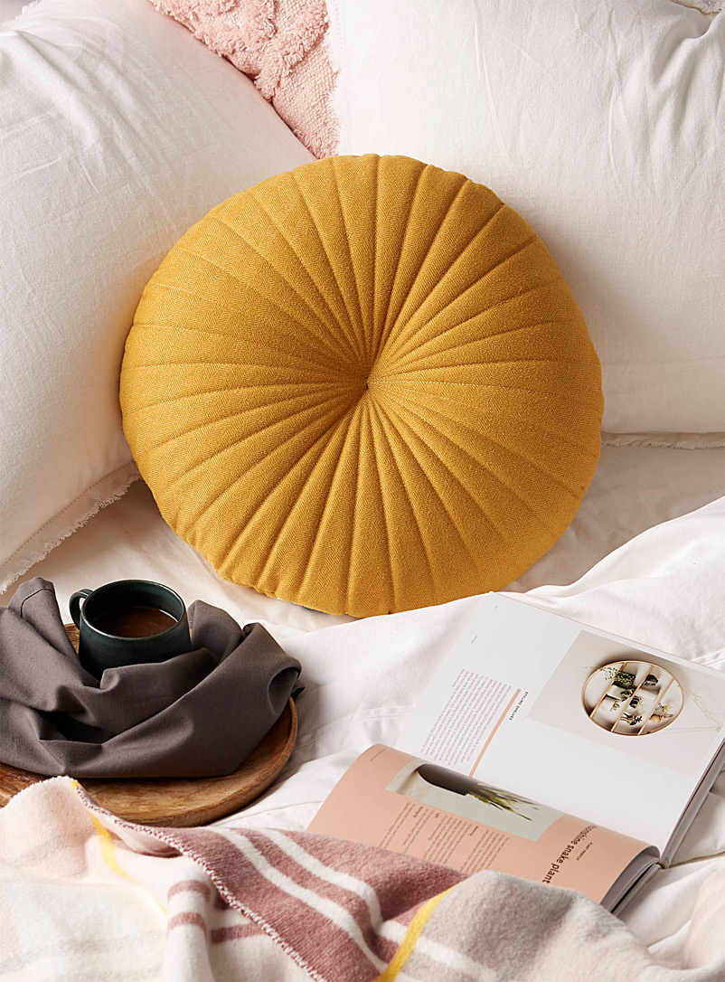 Fine herringbone cushion  35 cm in diameter - Cushions - Dark Yellow