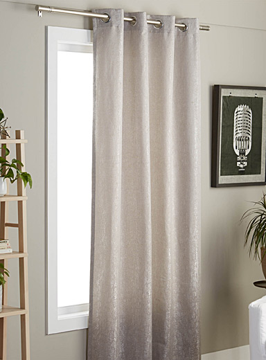 Metallic sheen textured curtain  135 x 220 cm