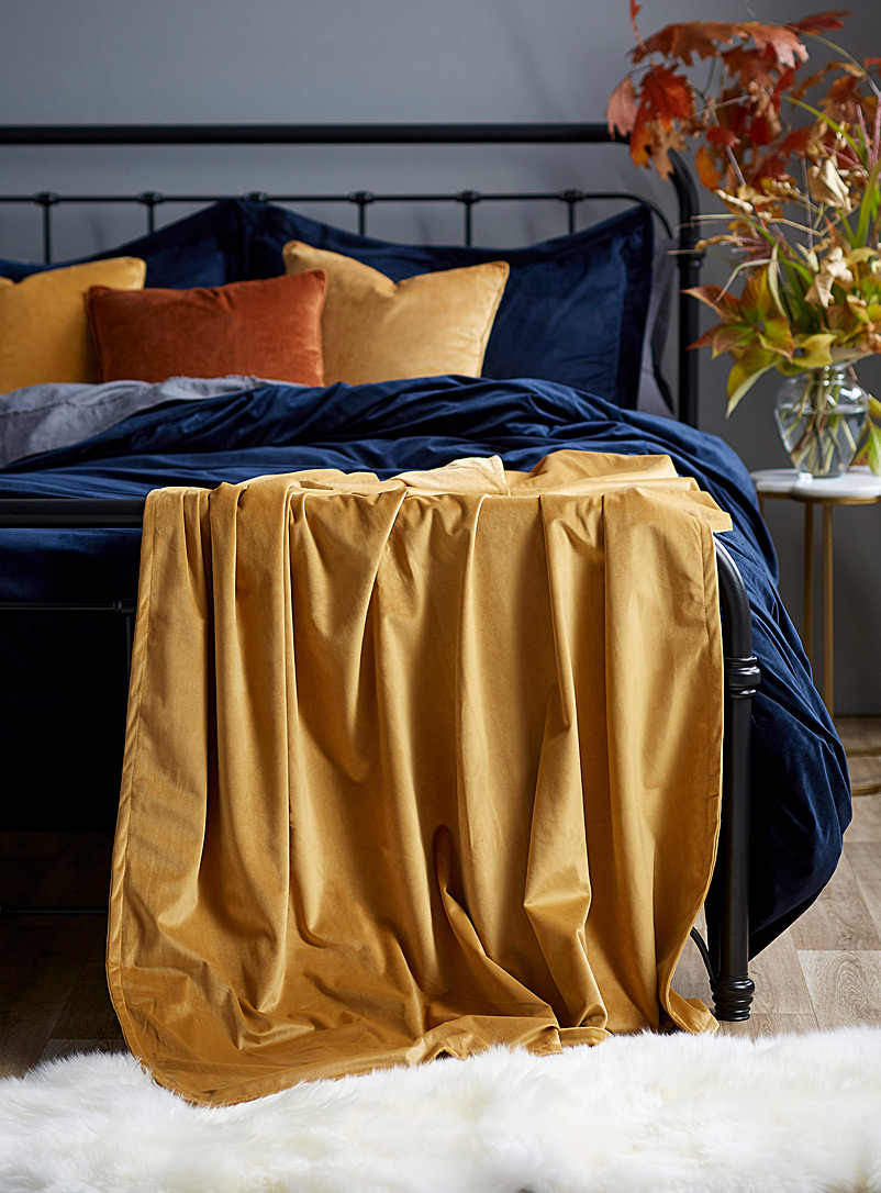 Simons Maison Medium Yellow Silky velvet throw  130 x 170 cm