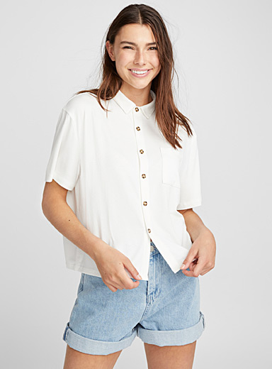 Cropped buttoned blouse