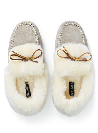 Classic moccasin slippers