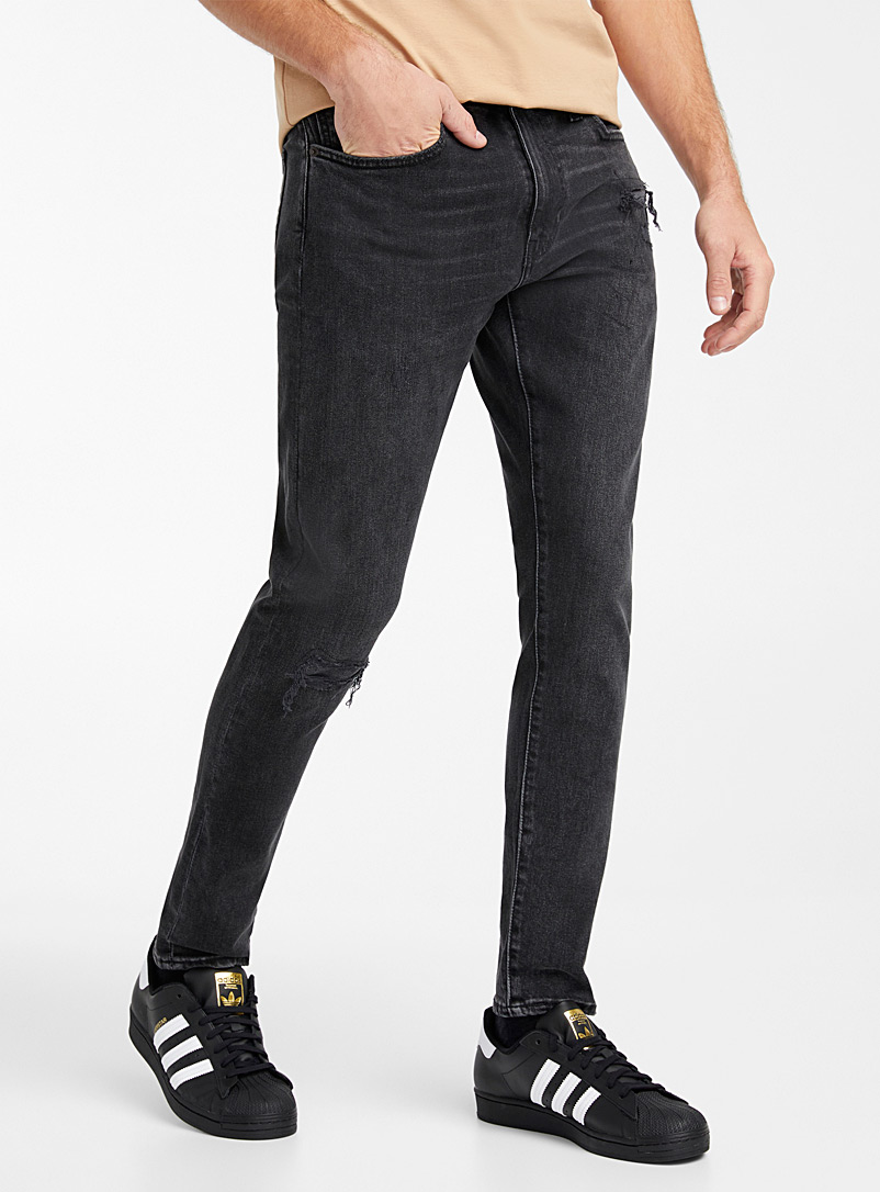 512 faded black distressed jean  Slim fit
