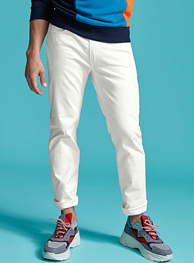 Pure white 511 jean <br>Slim fit
