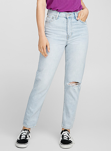 Bleached mom jean