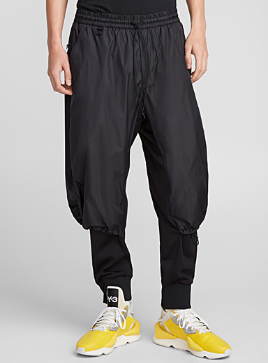 Le jogger nylon superposé