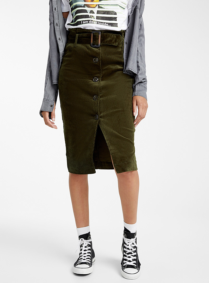 corduroy-belted-skirt