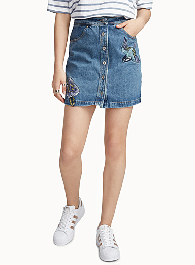 Embroidered buttoned denim skirt