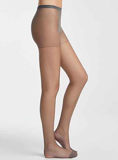 Ultra transparent pantyhose