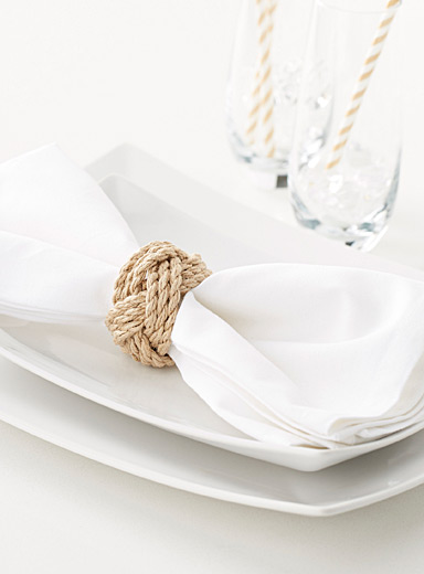 Knotted rope napkin ring