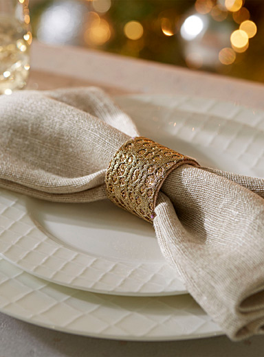 Chic golden napkin ring