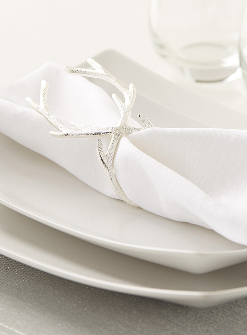 royal-antler-napkin-ring